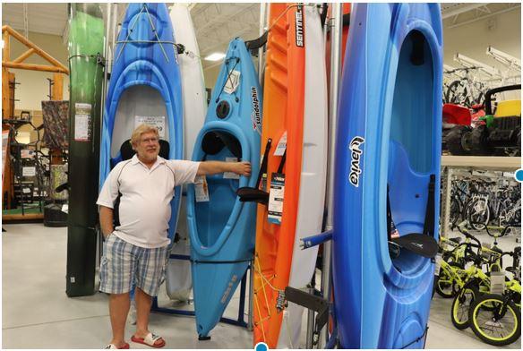 Gary shoping for Kayaks