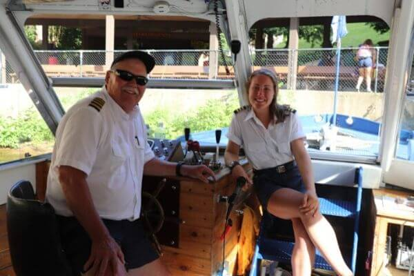 Wisconsin Dells boat captain and first mate