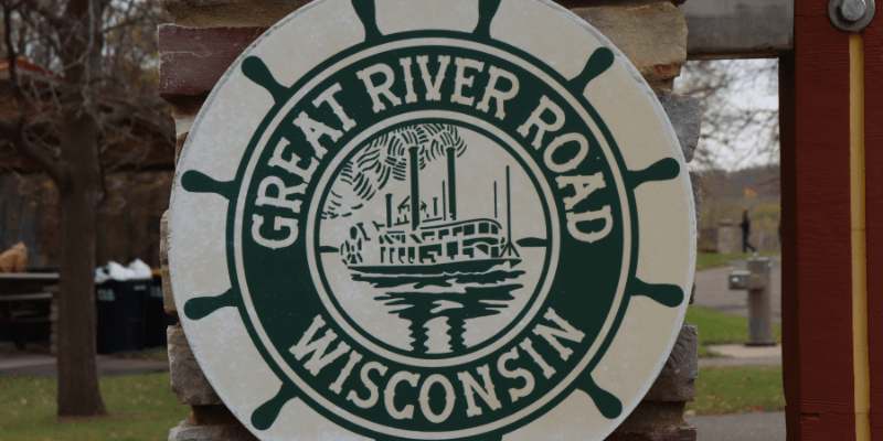 Great River Road Marker