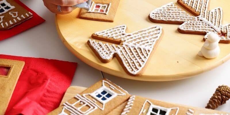 Make a gingerbread house for a Christmas date night