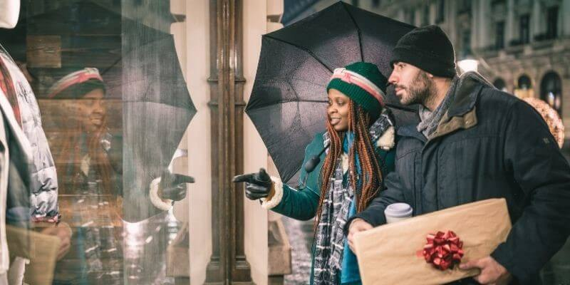 Christmas date idea window shopping