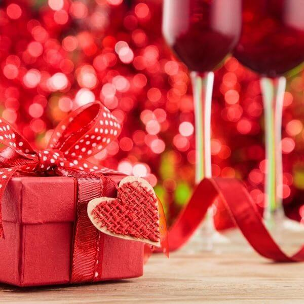 25 Valentine's Day Gifts For Her | Ideal Gifts For Any Romantic Occasion