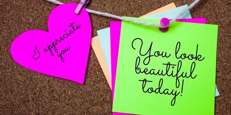 Sticky notes with compliments