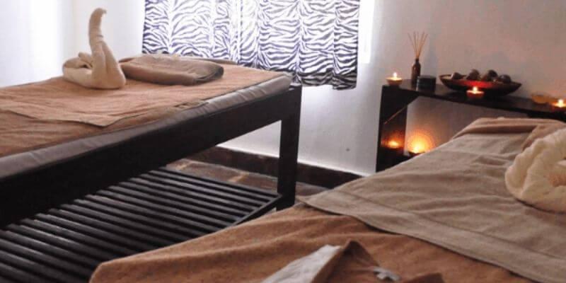 couples massage tables