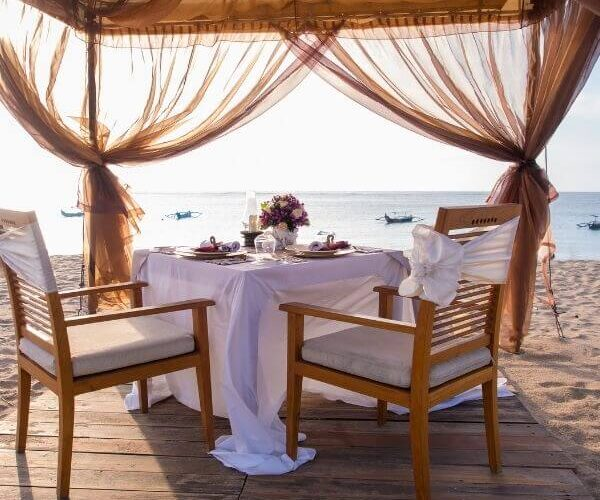 Creative ideas for a romantic dinner for two