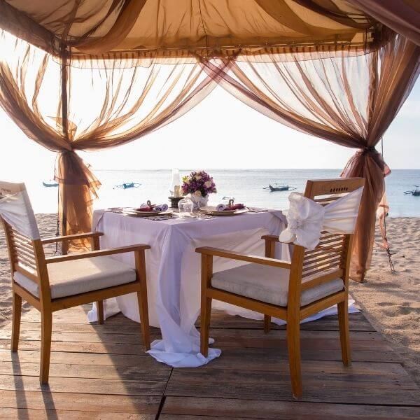 Creative Ideas For A Romantic Dinner At Home