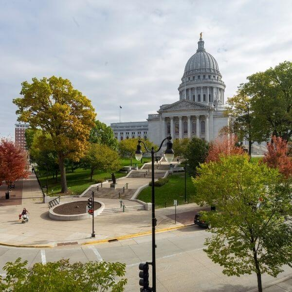 25 Places To Add To Your Wisconsin Bucket List | Wisconsin Adventures for Couples