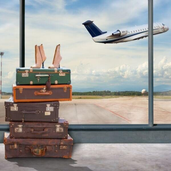 How to plan a trip, luggage and airplane